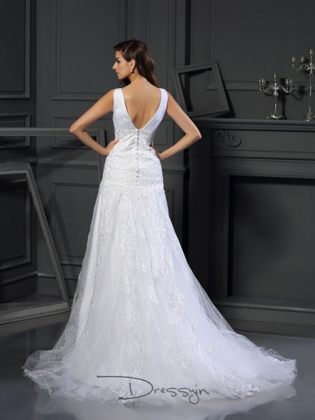 A-Line/Princess Sleeveless Beading Applique Satin Chapel Train V-neck Wedding Dresses