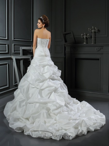 Ball Gown Sleeveless Hand-Made Flower Satin Cathedral Train Sweetheart Wedding Dresses