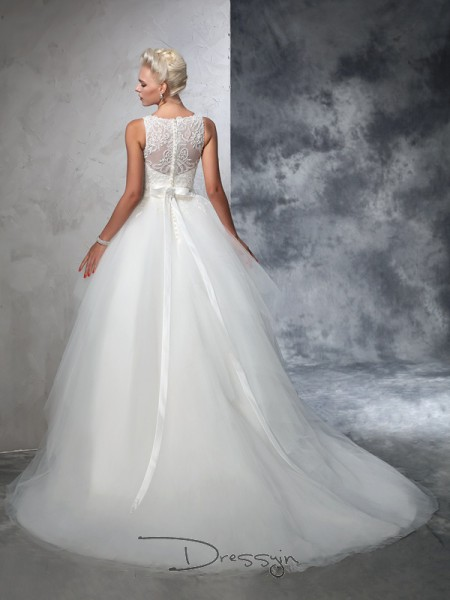 Ball Gown Sleeveless Applique Chapel Train Net Bateau Wedding Dresses