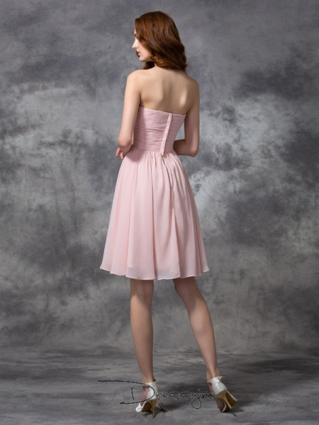 A-Line/Princess Sleeveless Ruched Knee-length Chiffon Sweetheart Bridesmaid Dresses