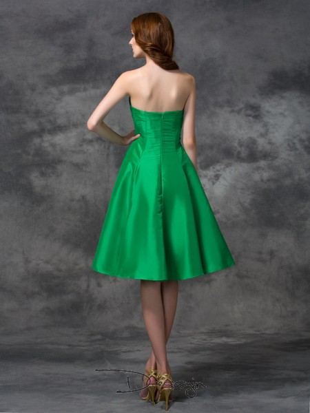 A-Line/Princess Sleeveless Knee-length Taffeta Sweetheart Bridesmaid Dresses