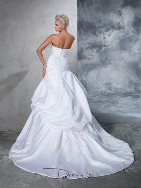 Ball Gown Sleeveless Applique Chapel Train Satin Strapless Wedding Dresses