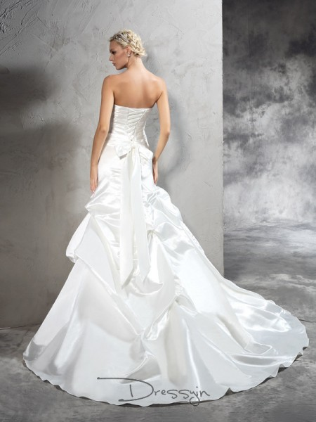 Sheath/Column Sleeveless Pleats Court Train Satin Strapless Wedding Dresses