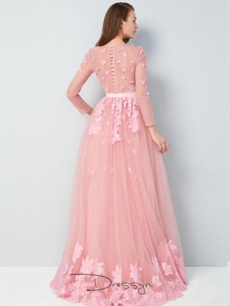 A-Line/Princess Floor-Length Tulle Scoop Applique 3/4 Sleeves Dress
