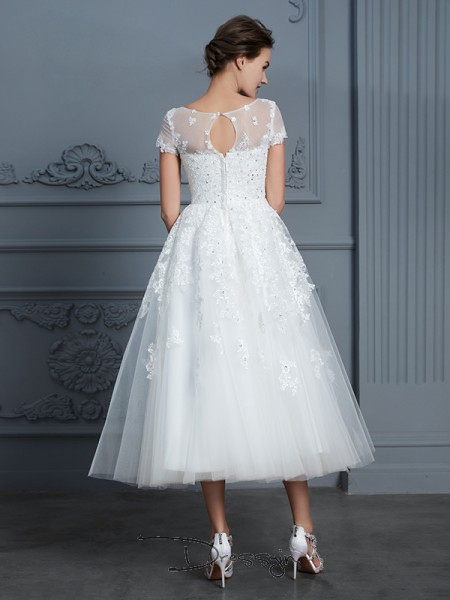 A-Line/Princess Scoop Tulle Short Sleeves Beading Tea-Length Wedding Dress