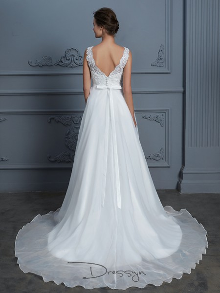 A-Line/Princess V-neck Chiffon Sleeveless Lace Floor-Length Wedding Dress
