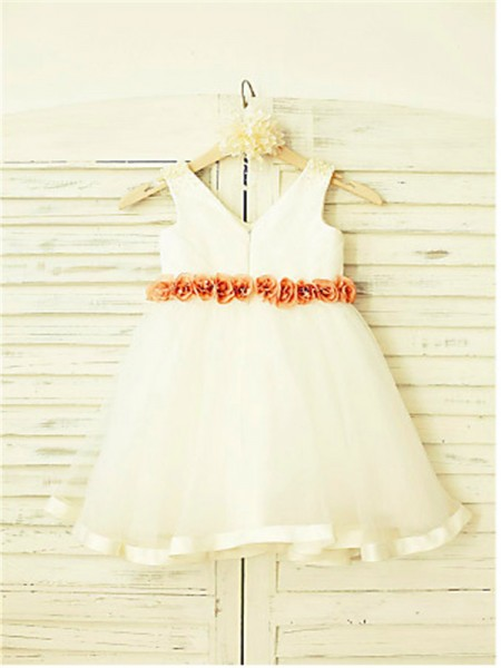 A-Line/Princess Tea-Length Hand-Made Flower V-neck Sleeveless Tulle Flower Girl Dress