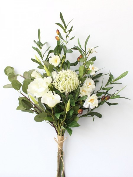 Free-Form Silk Flower Pretty Bridal Bouquets