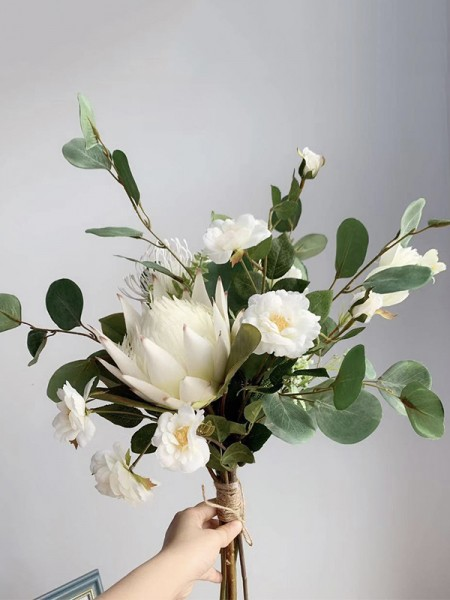 Free-Form Silk/Cloth Simple Bridal Bouquets