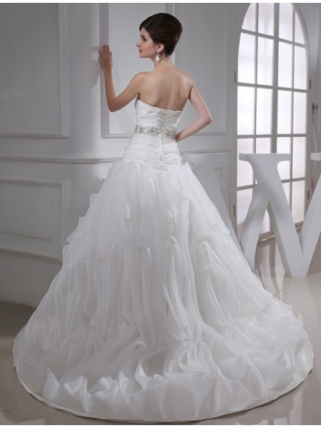 Ball Gown Beading Sweetheart Court Train Sleeveless Organza Wedding Dresses