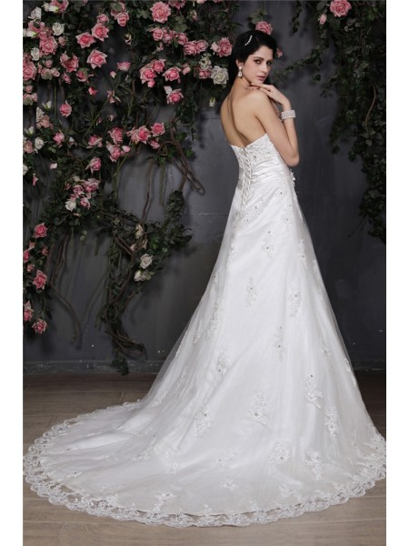 A-Line/Princess Hand-Made Flower Beading Applique Strapless Chapel Train Sleeveless Net Wedding Dresses