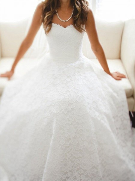 A-Line/Princess Cathedral Train Lace Sweetheart Sleeveless Lace Wedding Dresses