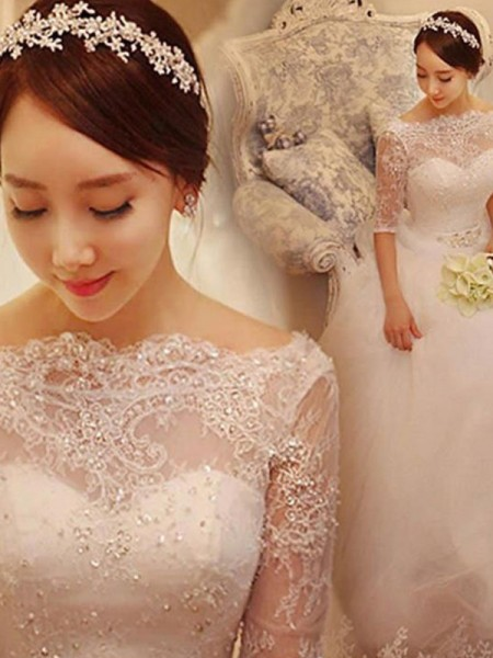 Trumpet/Mermaid Court Train Lace V-neck 3/4 Sleeves Tulle Wedding Dresses