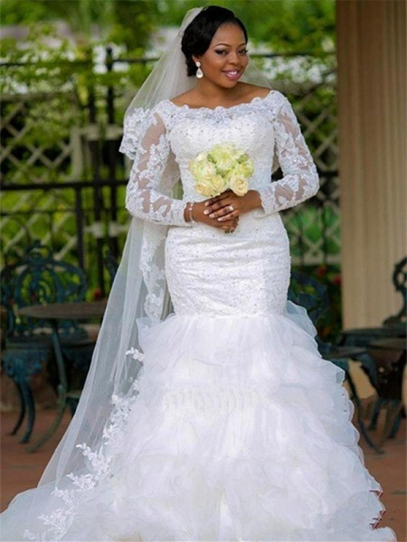 Ball Gown Chapel Train Applique Scoop Long Sleeves Tulle Wedding Dresses