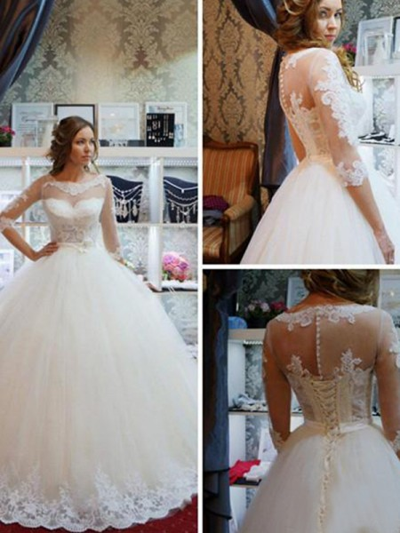 Ball Gown Floor-Length Applique Scoop 1/2 Sleeves Tulle Wedding Dresses