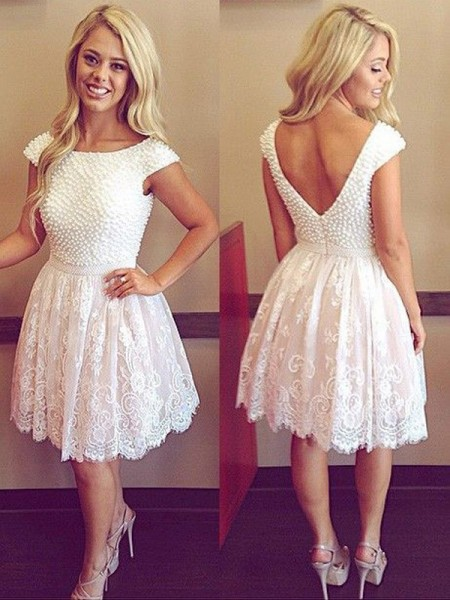 A-line/Princess Lace Scoop Short Sleeves Short/Mini Pearls Dresses